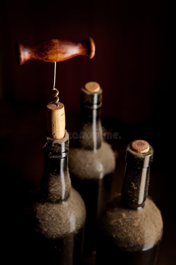 静物画用葡萄酒酒 免版税库存照片