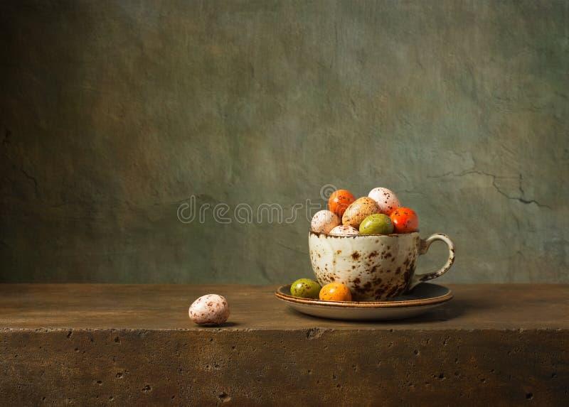 静物画用复活节彩蛋 库存照片