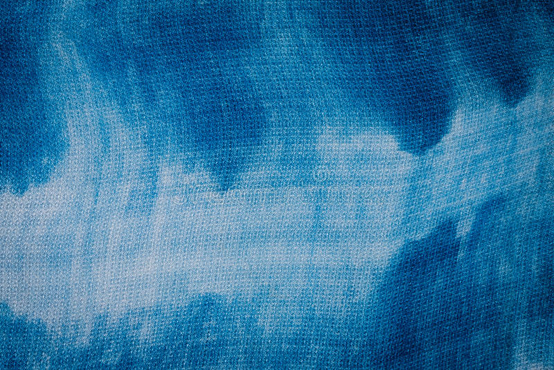靛蓝被洗染的织品 库存照片