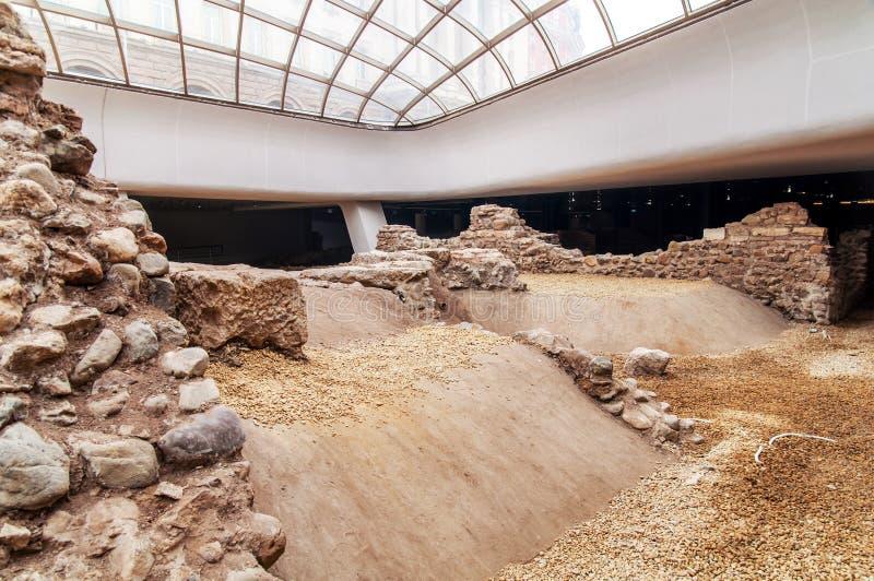 索非亚,保加利亚- 1月03 :罗马大厦废墟在开放地下博物馆,在Serdika地铁车站之间, 1月 免版税库存照片