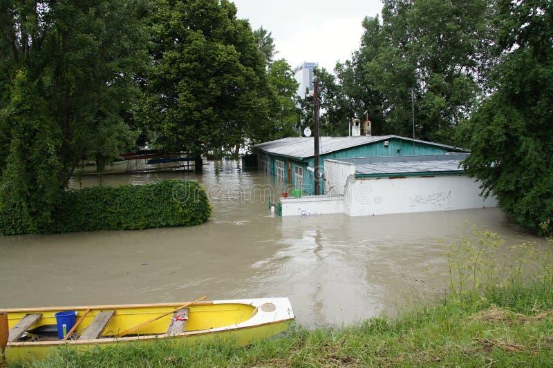 非凡洪水,在多瑙河在布拉索夫 库存照片