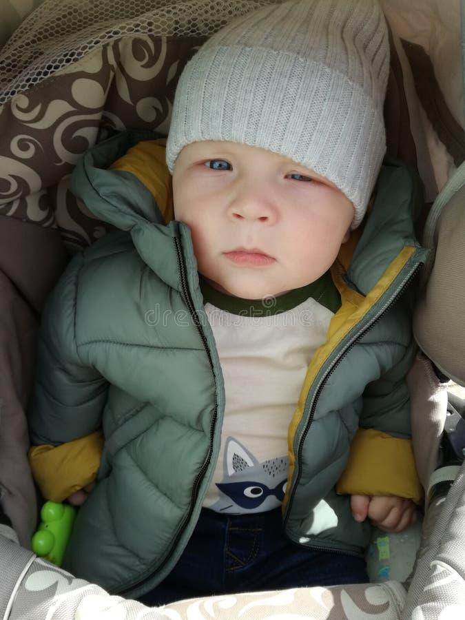 非常严肃的小男孩 图库摄影