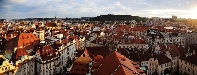 非常往布拉格市的美好的阳光 库存照片