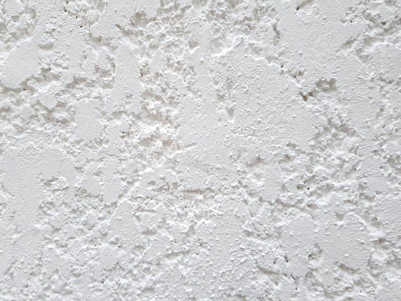 非常概略的具体纹理,白色被绘的墙壁背景 库存图片