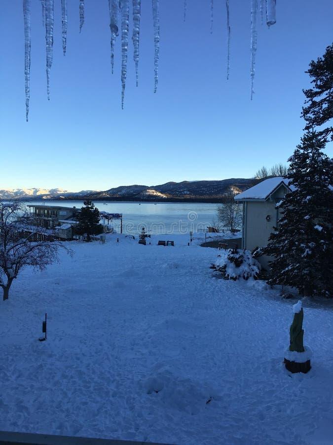非常相当风景看法,俯视的湖 免版税库存照片