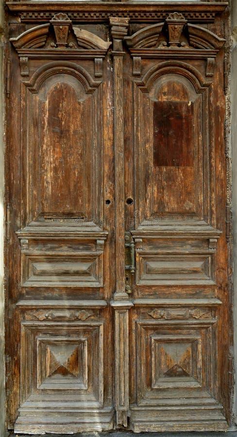 非常老历史的门 库存照片