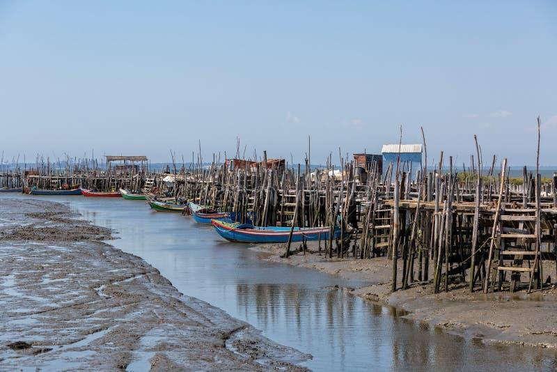 非常老被毁坏的渔夫村庄 图库摄影