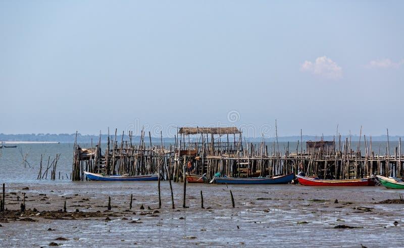 非常老被毁坏的渔夫村庄 免版税库存照片