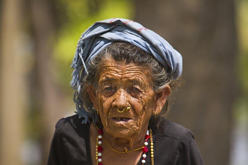 非常老tharu妇女在Bardia,尼泊尔 免版税图库摄影