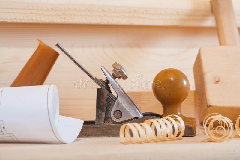 非常紧密在木材加工工具的构成的看法 库存图片