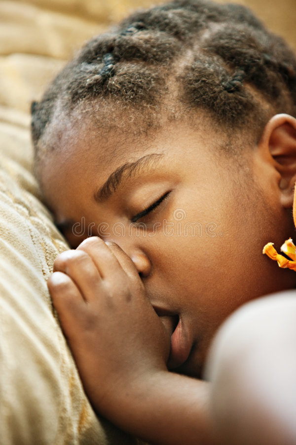 非洲儿童休眠 库存图片