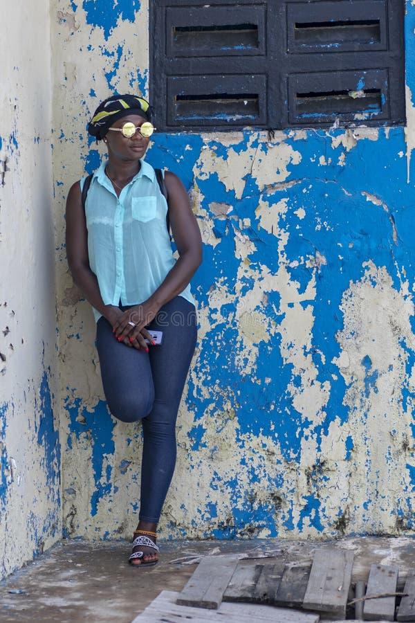 非洲妇女在塔科拉迪加纳 库存图片