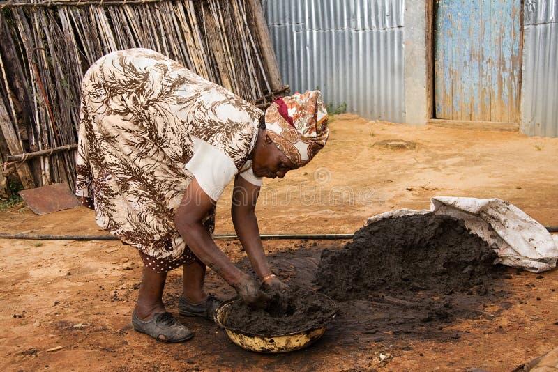非洲妇女工作 免版税库存图片