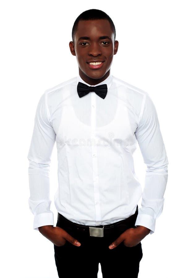 非洲英俊的纵向时髦的年轻人 库存照片