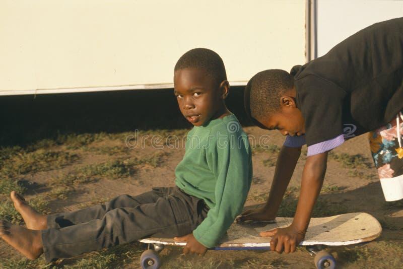 非洲裔美国人儿童使用 库存图片
