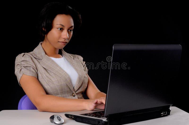 非洲裔美国人的女实业家年轻人 免版税库存图片