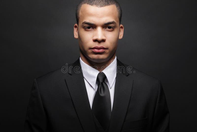 非洲裔美国人的黑色生意人诉讼年轻& 免版税库存照片