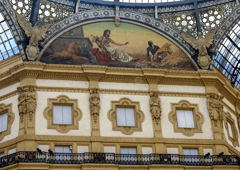 非洲马赛克,圆顶场所维托里奥・埃曼努埃莱・迪・萨伏伊II,米兰,意大利 库存照片