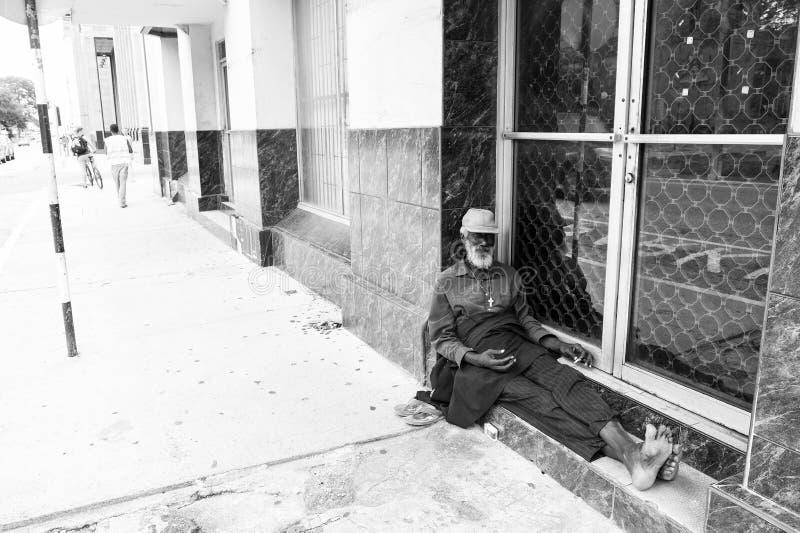 非裔美国人的老无家可归的人 免版税库存照片