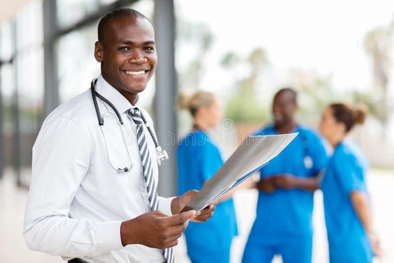 年轻非洲住院医生 免版税库存图片