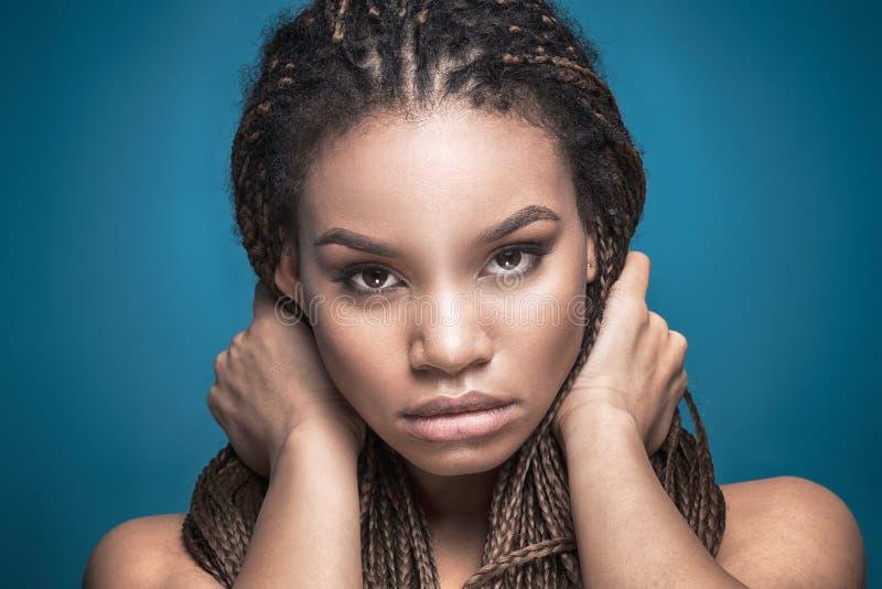 非洲女孩秀丽画象  免版税库存图片