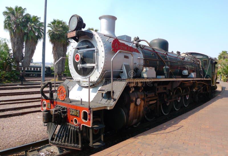 非洲火车自豪感离开的资本公园驻地在比勒陀利亚,南非 免版税库存照片