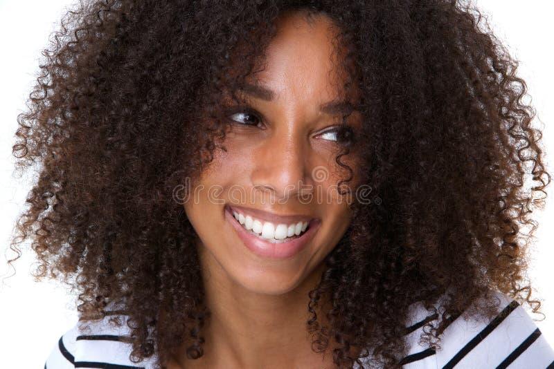 非洲裔美国人的有吸引力的微笑的妇&# 库存照片
