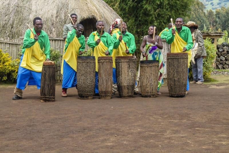 非洲鼓手-卢旺达 库存照片