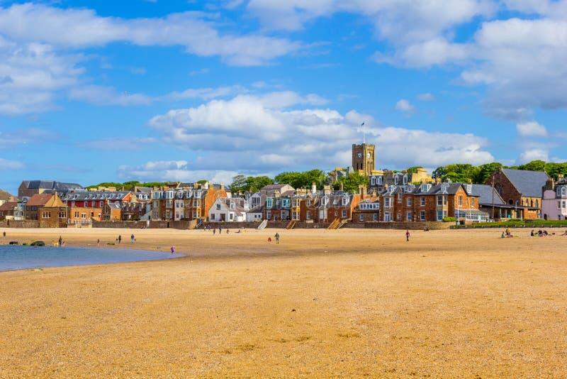 靠岸在北部Berwick有在港口的看法,苏格兰 库存图片