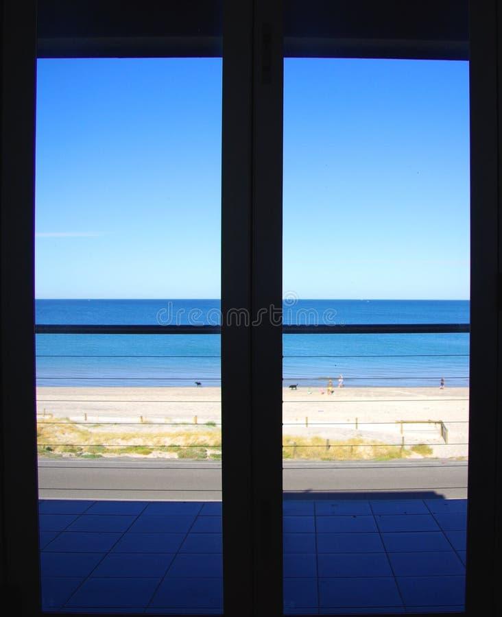 靠海滨的卧室 免版税库存图片