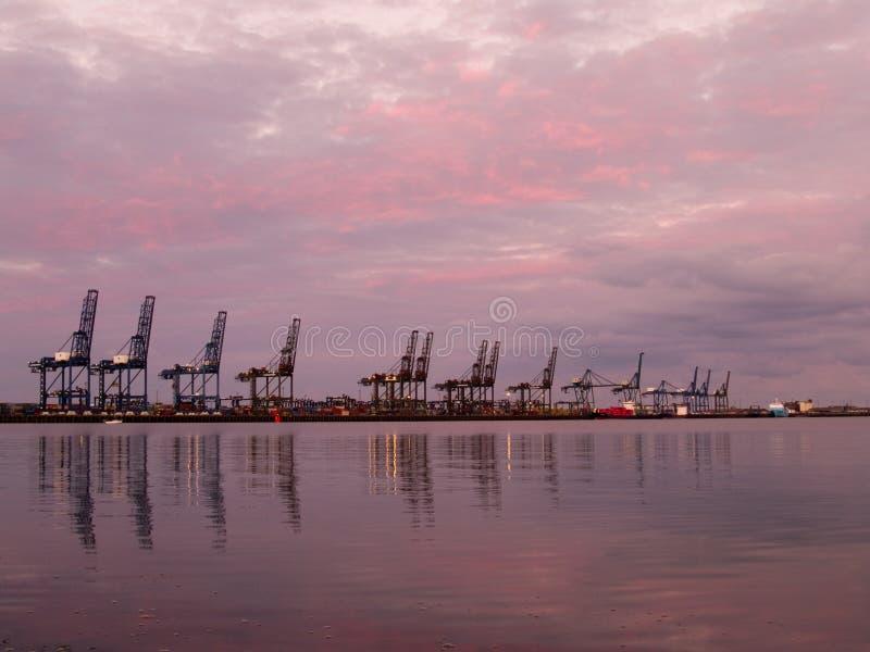 靠码头晚上 库存照片
