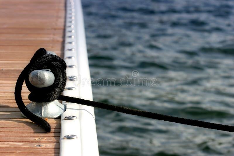 靠码头的小船 免版税库存图片
