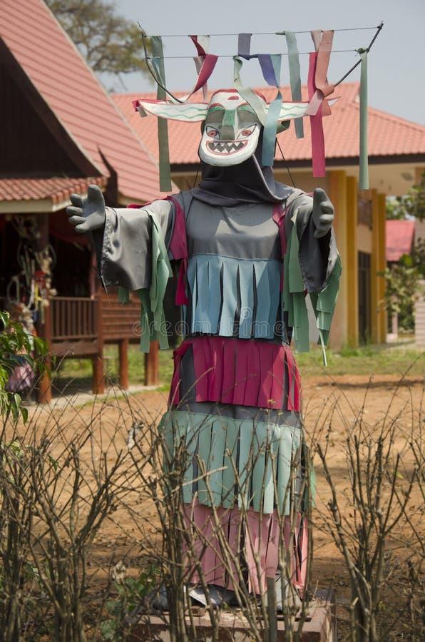 面具和服装鬼魂支架水的发埃Kon Nam或传统 库存图片