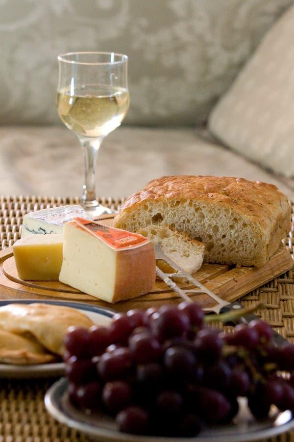 面包乳酪盘子 免版税库存图片