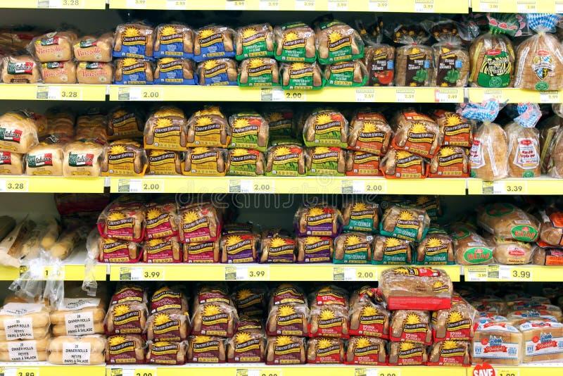 面包在杂货店 免版税库存图片