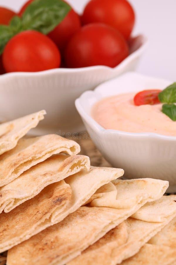 面包垂度pita蕃茄 免版税库存照片