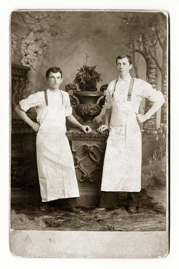 面包师二个等候人员 库存图片
