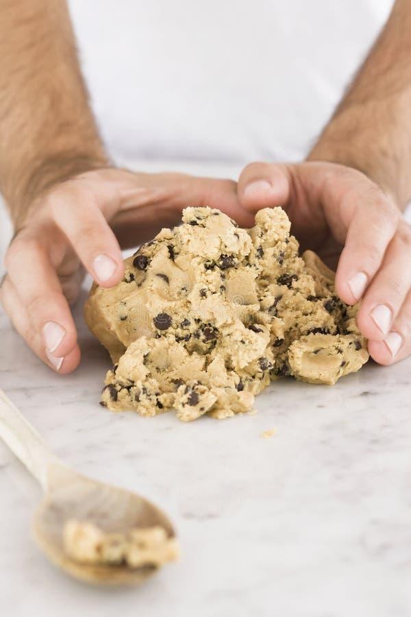 面包师曲奇饼面团 免版税库存照片