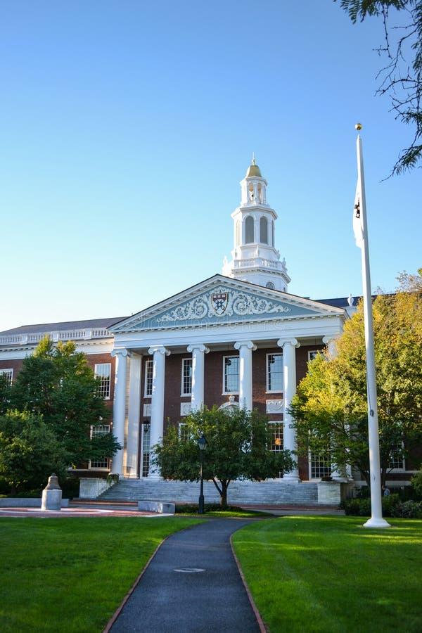 面包师bloomberg企业校园中心学院入口小径哈佛图书馆学校 免版税库存照片