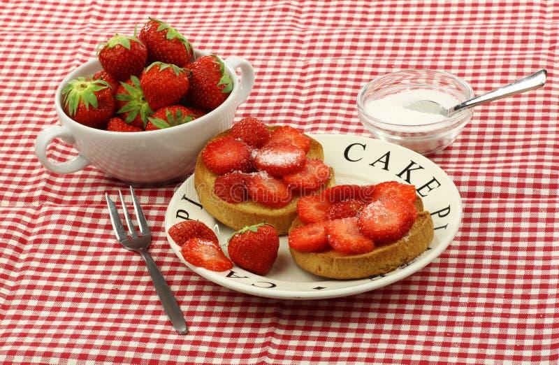 面包干草莓加糖了二 图库摄影