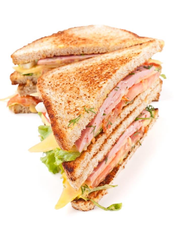 面包干酪莴苣敬酒的肉三明治 免版税库存照片
