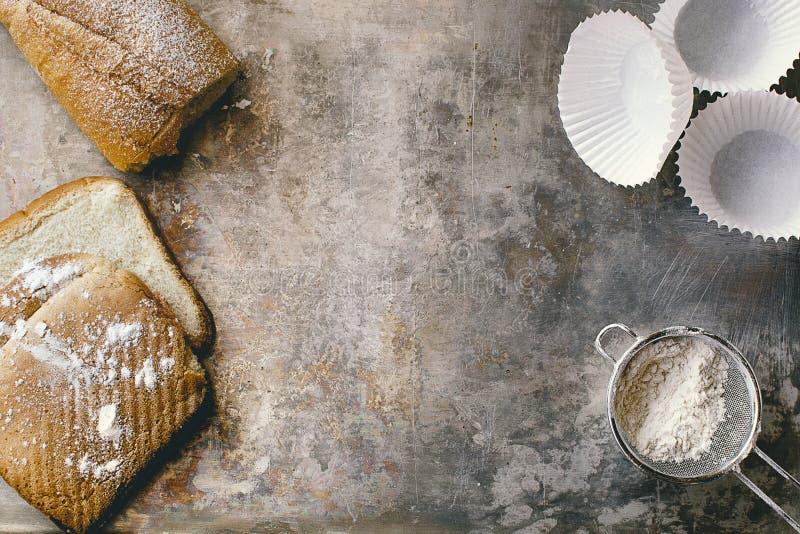 面包店概念 面包和酥皮点心材料 库存图片
