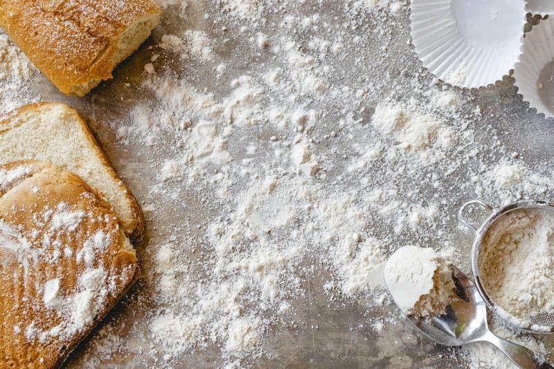 面包店概念 面包和酥皮点心材料 免版税库存图片
