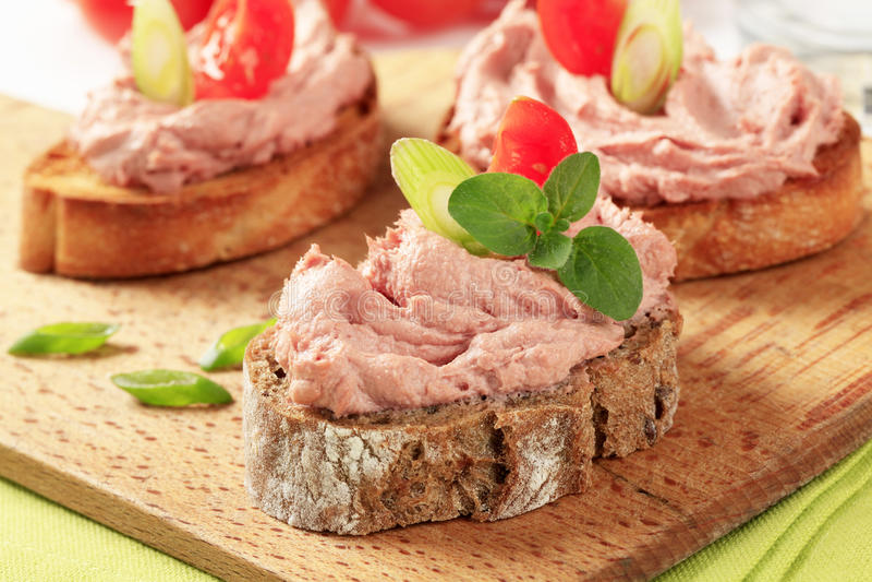 面包用肉奶油甜点 免版税图库摄影