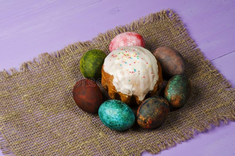 面包蛋糕装饰复活节传统 复活节彩蛋 库存照片