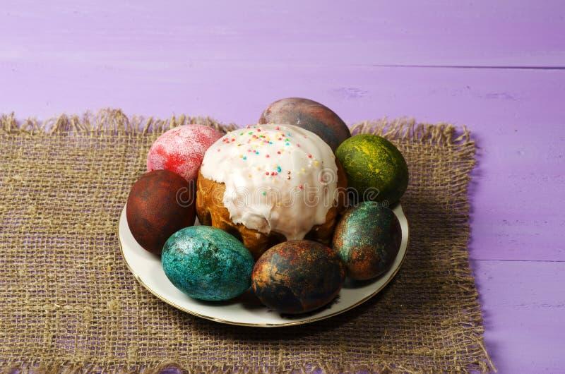 面包蛋糕装饰复活节传统 复活节彩蛋 库存图片