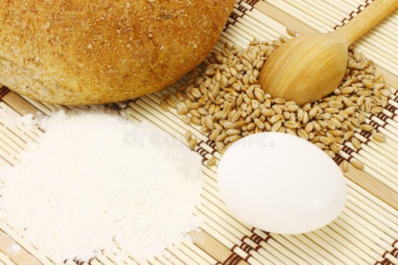 面包蛋面粉麦子 库存图片