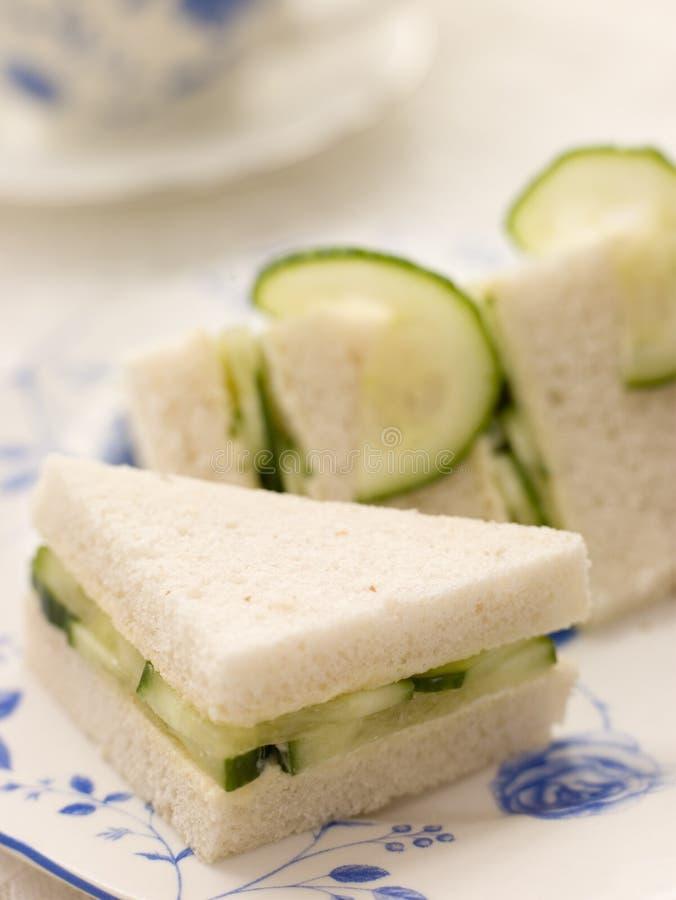 面包黄瓜三明治白色 库存照片