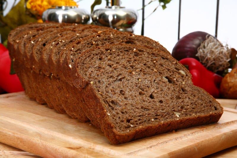 面包黑暗麦子 免版税库存照片
