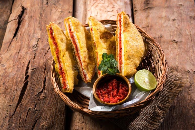 面包Pakora或面包Pakoda或bhaji 免版税库存照片